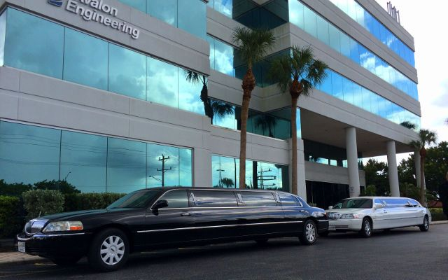 corporate limo naples service sedan