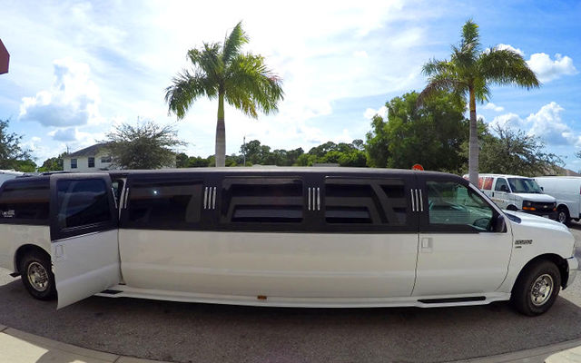 ford excursion naples stretch Limousine