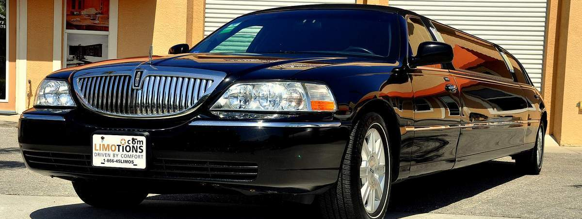 lincoln-towncar-stretch-black-front