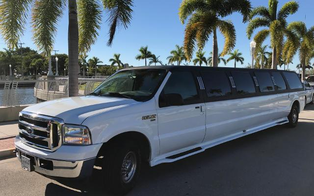stretch prom limo suv excursion