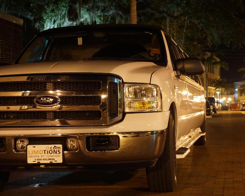 night in fort myers Limo ford excursion stretch suv